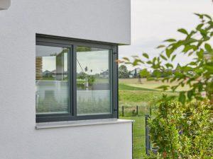 schlüsselfertiges Praml Haus, Detail Eckfenster